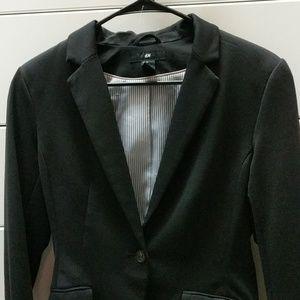 H&M Size 8 Black Blazer